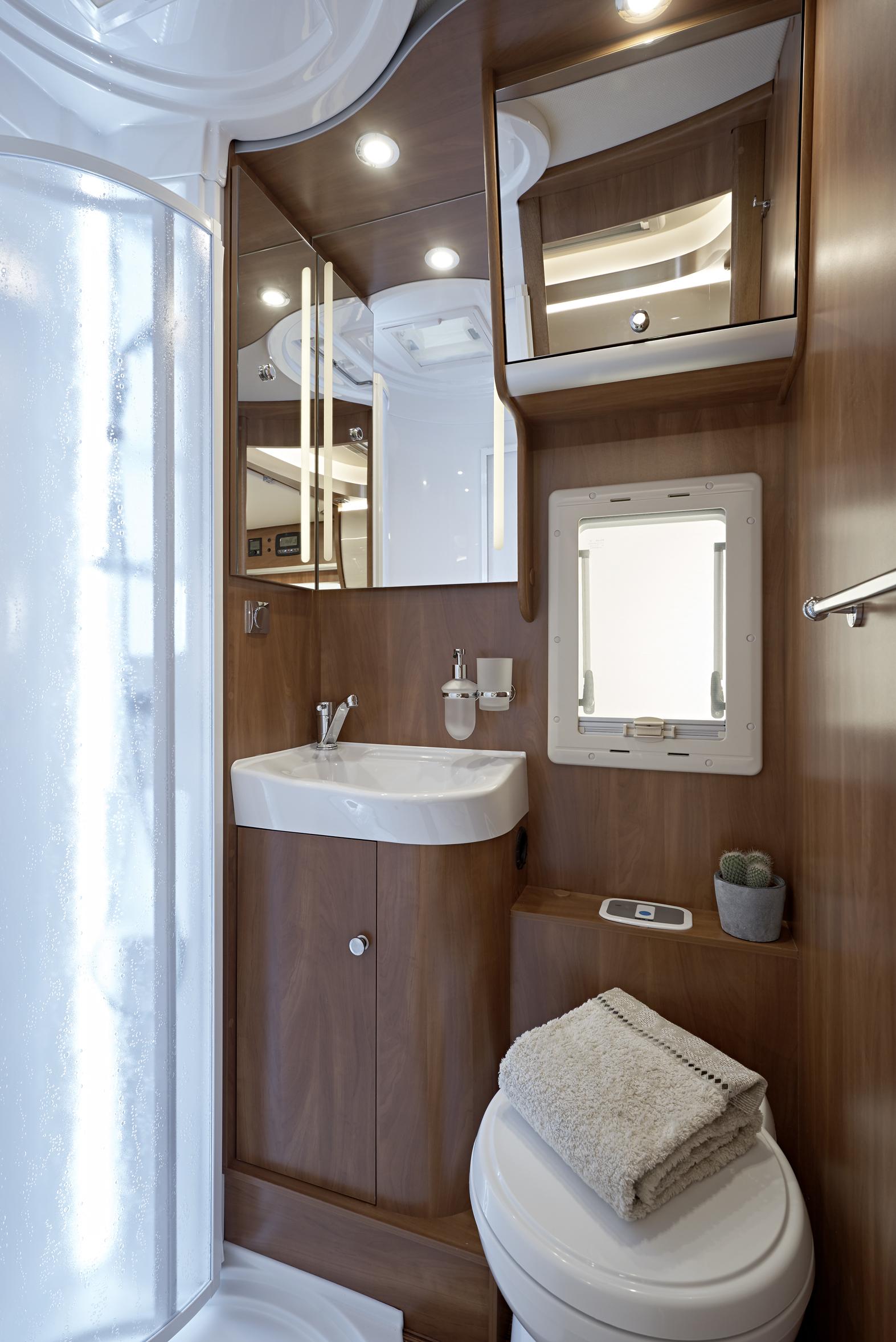 Camper magazine il primo e pi importante programma televisivo italiano dedicato al turismo in - Rifare il bagno del camper ...